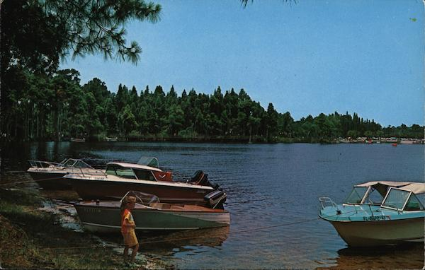 Private Boats in A.L. Anderson Park Tarpon Springs Florida