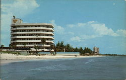 Lido Beach showing Three Crowns and Landmark Hotels