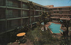 Los Angeles Airport, Hacienda International Hotel