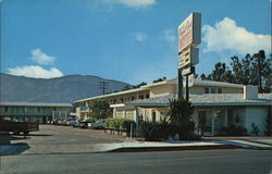 Royal Oak Motel, 320 West Harvard Blvd.