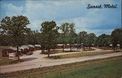 Sunset Motel, Roaring River Road - Hwy.112