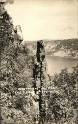 Cleopatra's Needle, Devil's Lake State Park