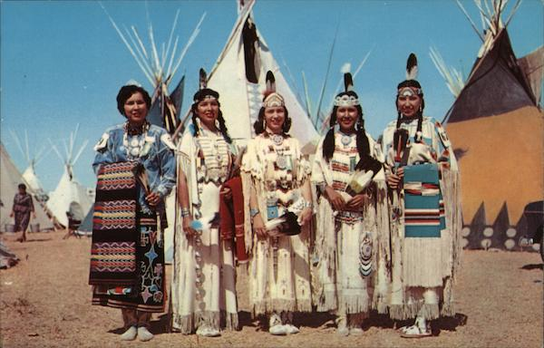 Indian Maidens and Tipis Native Americana