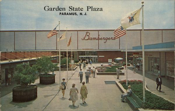Garden State Plaza Paramus, NJ Postcard