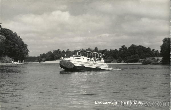 Tour Boat Wisconsin Dells