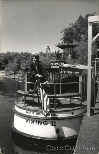 Vicking II Boat with Capt. Ed. Wisconsin Dells
