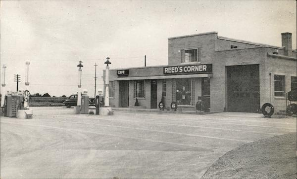 Reed's Corner Station Moberly Missouri