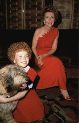 """Orphan Annie"", her dog Sandy and the first lady, Nancy Reagan."