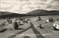 Lynne's Cottages, Twin Mountains in Background