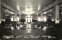 Alpine Hotel and Cottages - West Lobby
