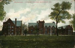 Milwaukee-Downer College