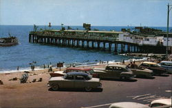 El Paseo and Pier