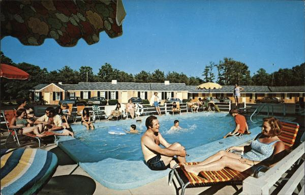 The Pride of Cape Cod Cap'n Gladcliff Motel Massachusetts