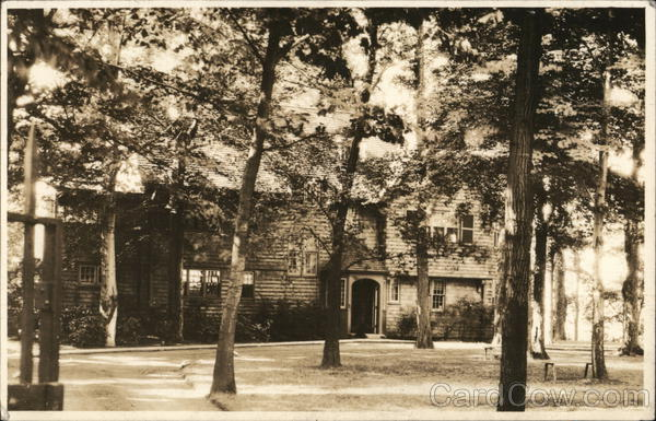 Residence Among Trees Northampton Massachusetts