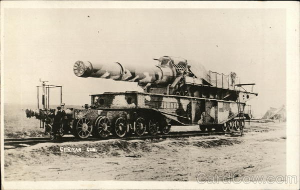 Huge German gun on Railroad Car Military