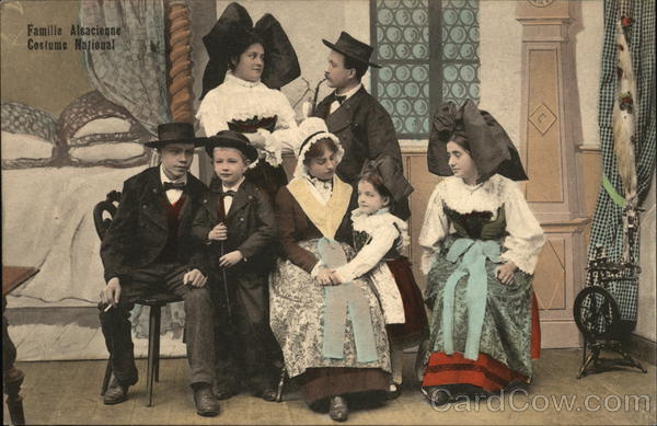 Famille Alsacienne, Costume Nationale France