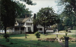 The Oaks Hotel at Chippewa Lake Park