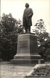 Statue of Mark Twain in Riverview Park Postcard