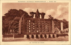 Exposition Coloniale International, Paris 1931 - Fontaine des Totems