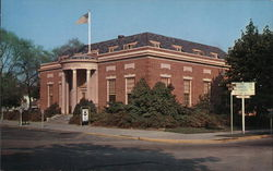 US Post Office - Erected in 1931 on the Circle
