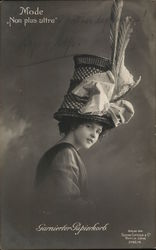 "Mode ""Non plus ultra"" - Woman with Giant Hat, Feathers"