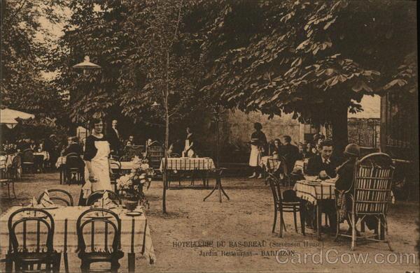 Hotellerie du Bas-Breau (Stevenson House)