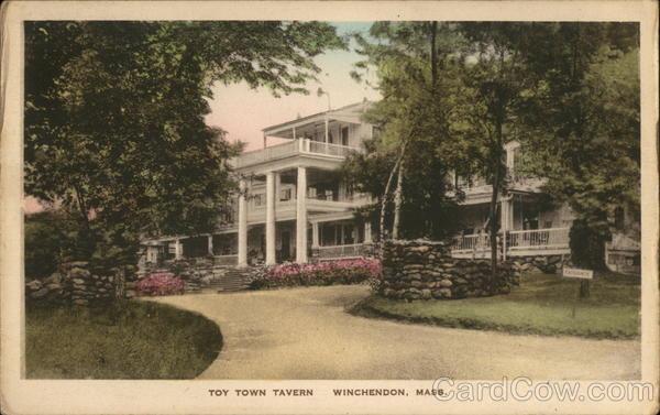 Toy Town Tavern Winchendon Massachusetts