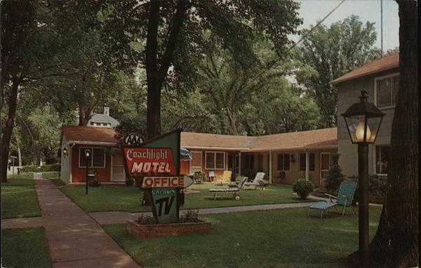 Coachlight Motel Wisconsin Dells