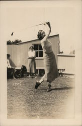 1925 Female golfer