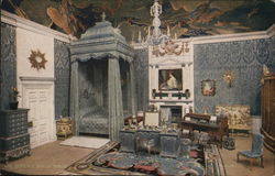 The Queen's Dolls' House - The Queen's Bedroom