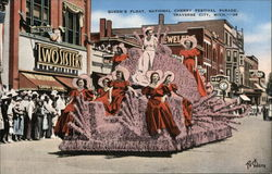 Queen's Float, National Cherry Festival Parade