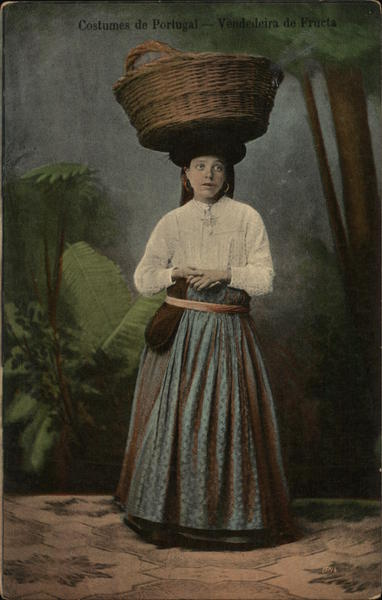 Costumes of Portugal, Fruit Vendor