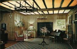 Entrance Lounge Mo-Nom-O-Nock Inn