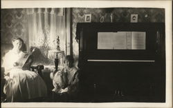 Mother and Child With Dog, Piano