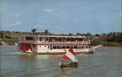 M.V. Paddlewheel Queen Postcard