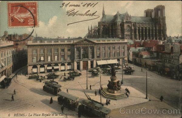 La Place Royale et la Cathedrale