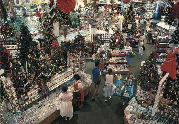 Bronner's Christmas Wonderland Frankenmuth Michigan