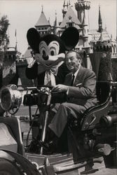 Walt Disney and Mickey Mouse, Disneyland