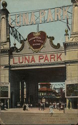 Entrance to Luna Park