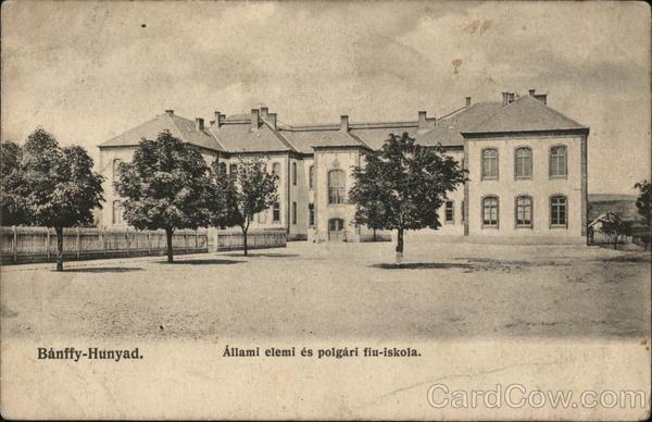 Allami Elemi es Polgari Fiu-Iskola / Elementary School Banffy-Hunyad Romania