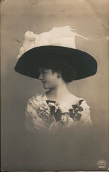 Portrait of woman with large hat