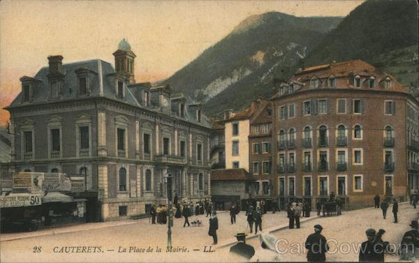 La Place de la Mairie Cauterets France