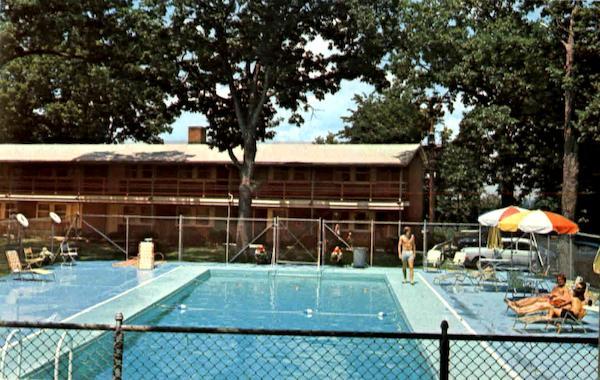 John F Kennedy Union Center And Swimming Pool Ottawa Il