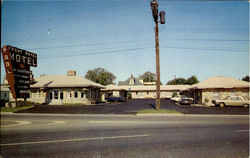 FRONT ROYAL MOTEL, Front Royal, Va. On U.S.340, 522 and Va.Rt. 55 at 14 th Street and Shenadoah Avenue. Opposite Howard Johnson Restaurant Postcard