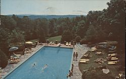 Outdoor Swimming Pool, Strickland's Mountain Inn