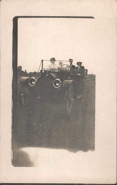 1914 People Riding in Car Oregon License Plate 17482