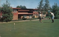 The Concord Hotel, Putting Green and Club House