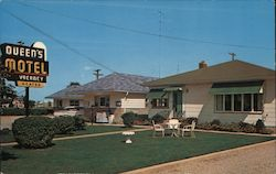 Queen's Motel Postcard