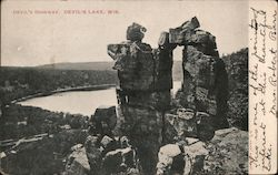 Devil's Doorway, Devil's Lake Postcard