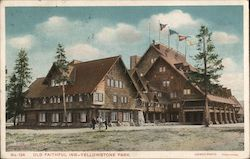 Old Faithful Inn - Yellowstone Park